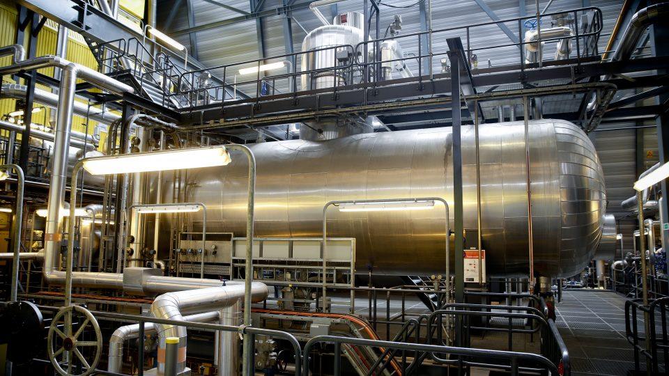 Sags nr. 9497. Til JJ Kommunikation. Foto af Jørgen Holm Madsen på Silkeborg kraftvarmeværk - på de steder hvor der er mekanisk udstyr som han har ansvar for vedligehold af - gerne alarmsystem til vibrationsmåling. Detaljer fra de tekniske anlæg han har ansvar for. Kontakt til JHM: Direkte: 8920 6546 - Mobil: 4049 1993 - jhm@silkeborgforsyning.dk Kejlstrupvej 239, 8600 Silkeborg.